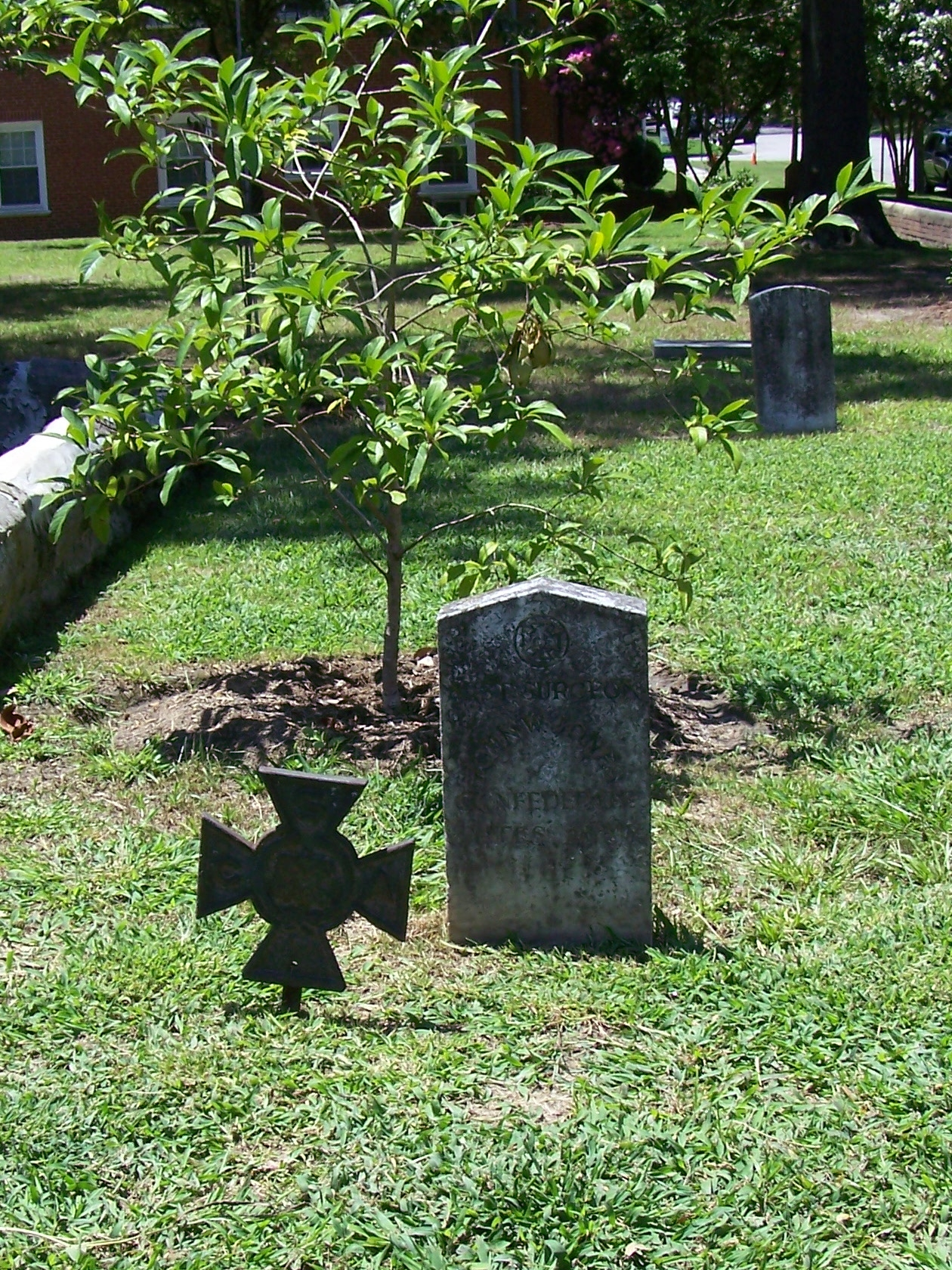 Old Town Cemetery, one such Confederate grave
