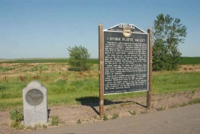 Historic Platte Valley Marker along with Pony Express Memorial Stone image. Click for full size.