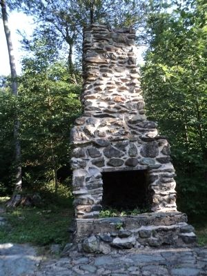 Outdoor Fireplace image. Click for full size.