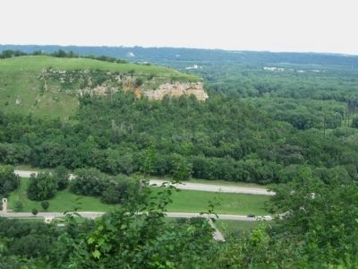 Mt. La Grange – Barn Bluff image. Click for full size.