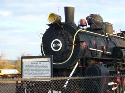 Engine No. 1129 and Marker image. Click for full size.