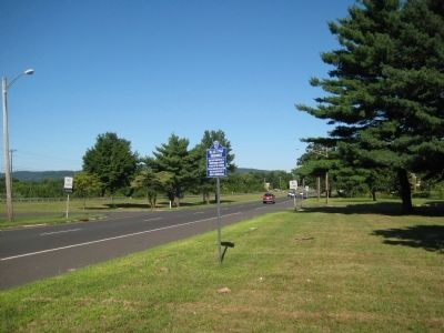 Blue Star Highway Marker image. Click for full size.