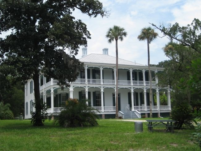 DeBary Hall image. Click for full size.