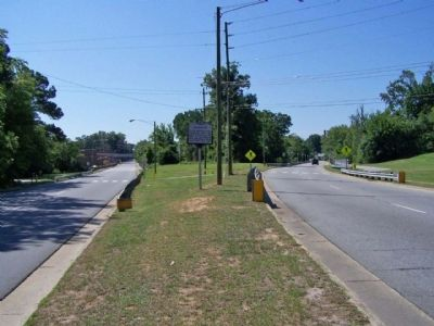 Lafayette Marker, Falls Road on left and Peachtree Street (southbound) at right image. Click for full size.