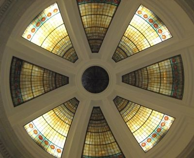 Courthouse Interior: Art Glass Rotunda Dome image. Click for full size.