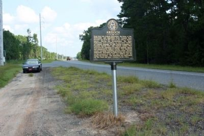 Ardoch Marker, looking north near Ardoch Road along US 17 image. Click for full size.