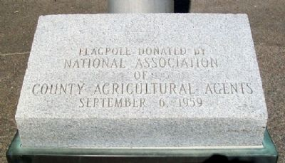 Flagpole at National Farmers Memorial image. Click for full size.