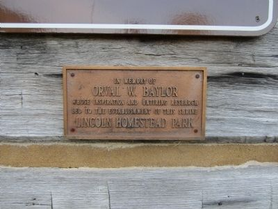 Lincoln Cabin plaque image. Click for full size.
