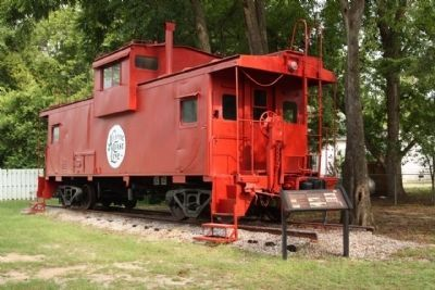Latta's Railroad Story Marker and Atlantic Coast Lines Caboose image. Click for full size.