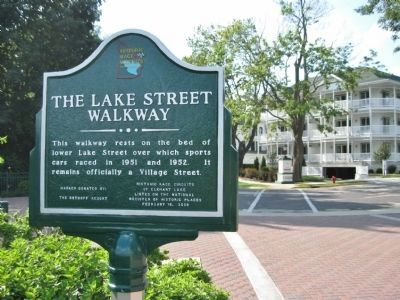 The Lake Street Walkway Marker image. Click for full size.