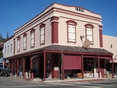 Mariposa Independent Order of Odd Fellows Hall image. Click for full size.