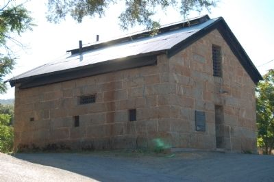 Mariposa County's Old Stone Jail image. Click for full size.
