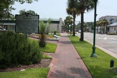 Ridgeland Marker, looking back east along Main Street image. Click for full size.