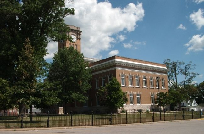 South/West Corner - - Jackson County Courthouse - - Brownstown, Indiana image. Click for full size.