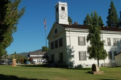 Mariposa County Courthouse image. Click for full size.