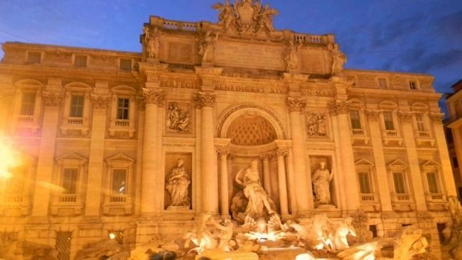 The Trevi Fountain (Fontana di Trevi) image. Click for full size.