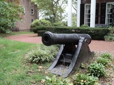 Cannon at the Commanding Officer's Quarters image. Click for full size.