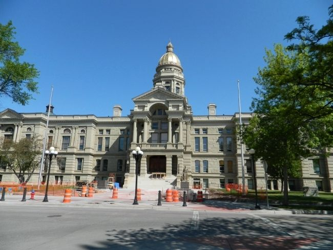 Wyoming State Capitol image. Click for full size.