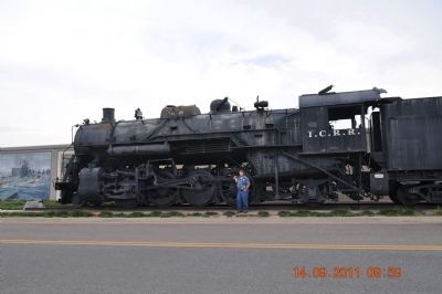 Train Engine donated to Paducah by Illinois Central Railroad image. Click for full size.