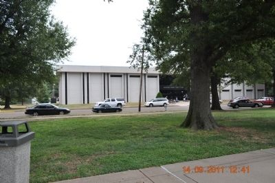 McCracken County Public Library facing the park image. Click for full size.