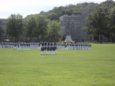Cadets and the Washington Statue image. Click for full size.