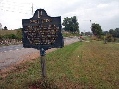 Looking North - - Pivot Point Marker image. Click for full size.