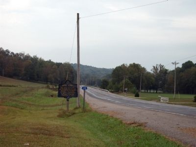 Looking South - - Pivot Point Marker image. Click for full size.