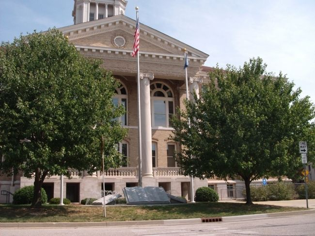 West Side - - Dubois County Courthouse image. Click for full size.