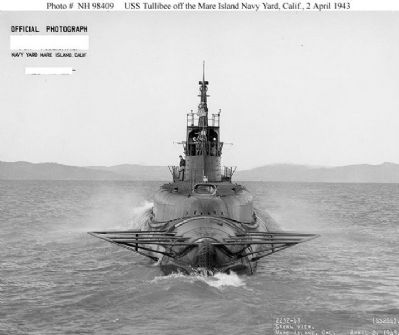 USS Tullibee (SS-284) image. Click for full size.