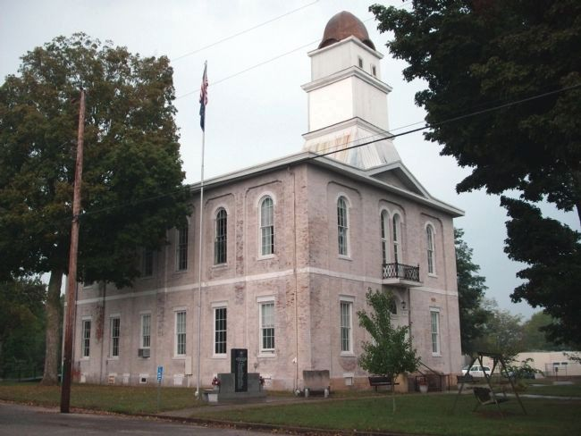 """Old"" Martin County Courthouse -and- Marker image. Click for full size."