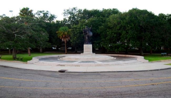 Confederate Defenders of Charleston Monument image. Click for full size.