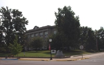 North/West Corner - - Spencer County Courthouse image. Click for full size.