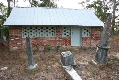 Airmount Grave Shelter image. Click for full size.