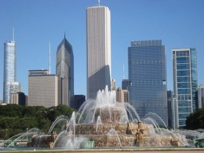 Buckingham Fountain image. Click for full size.