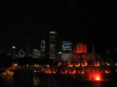 Buckingham Fountain at night image. Click for full size.