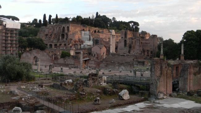 Palatine Hill and ruins of the Roman Forum west of <i>Anfiteatro Flavio</i>/The Flavian Amphitheatre image. Click for full size.
