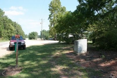 Old Federal Road Marker (North Bound View) image. Click for full size.