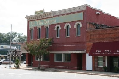 The former Monroe County Bank Building. image. Click for full size.