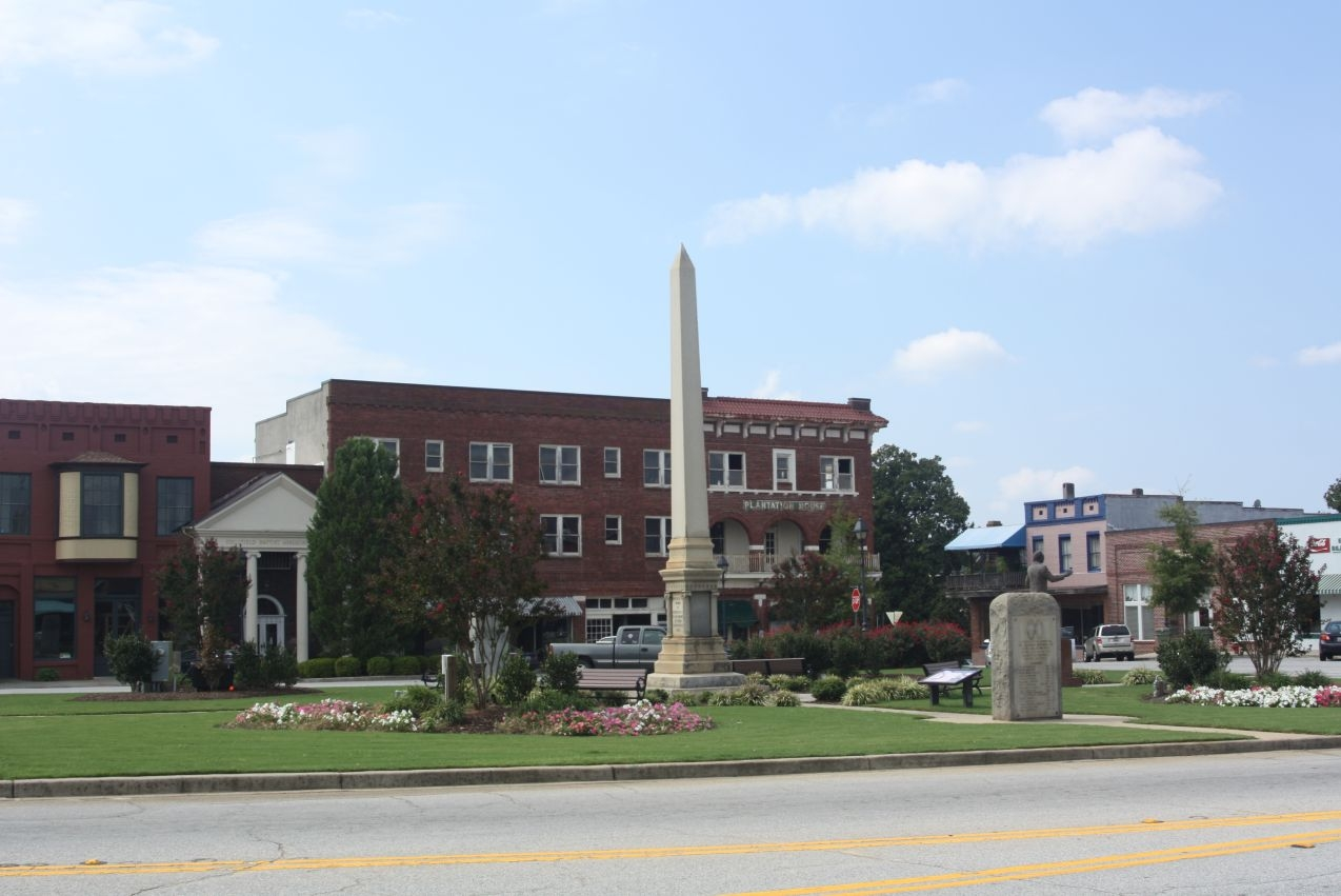 Edgefield County Confederate Monument, at Courthouse Square