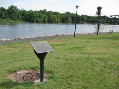 Mississippi Marker and Mooring Ring image. Click for full size.