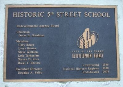 Historic 5th Street School Plaque image. Click for full size.