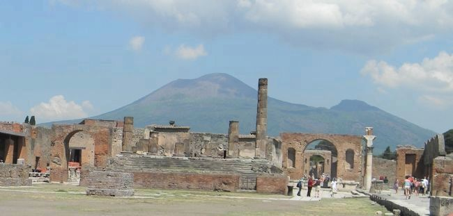 <center>Remains of the Temple of Jupiter on the Forum in Pompeii image. Click for full size.