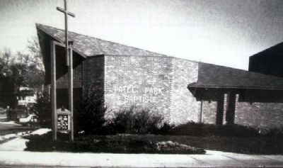 Photo of New Patee Park Baptist Church on Marker image. Click for full size.