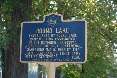 Round Lake Marker image. Click for full size.