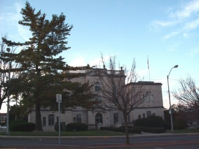 East Side - - Lawrence County Courthouse - - Bedford, Indiana image. Click for full size.