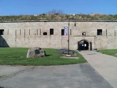Marker at Fort Adams Entrance image. Click for full size.
