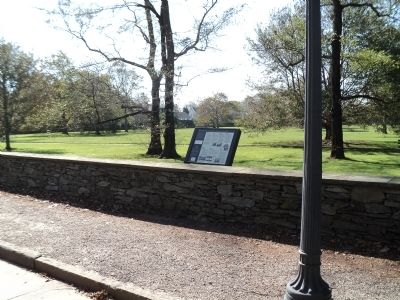 Marker on Bellevue Avenue image. Click for full size.