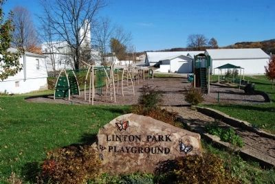 Linton Park Playground image. Click for full size.