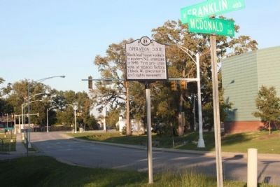 Operation Dixie Marker seen along US 301, Franklin Street at McDonald Street image. Click for full size.