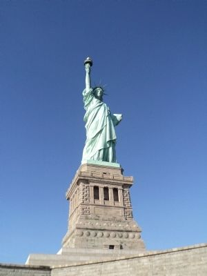 Liberty Enlightening the World image. Click for full size.